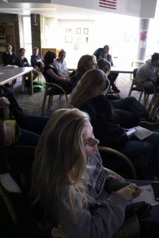Social studies teacher Nicholas Gregory hosts Presidential Debate event for students