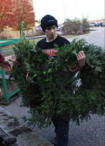 Ambassadors deliver wreaths to sponsors