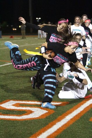 Seniors win powder-puff, 25-24