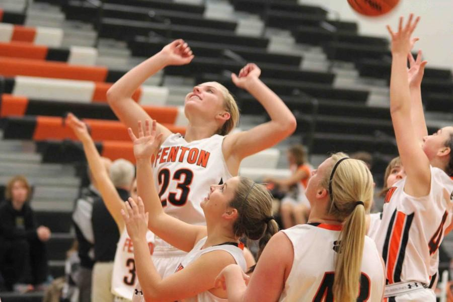 Girls basketball starts off the season with two games