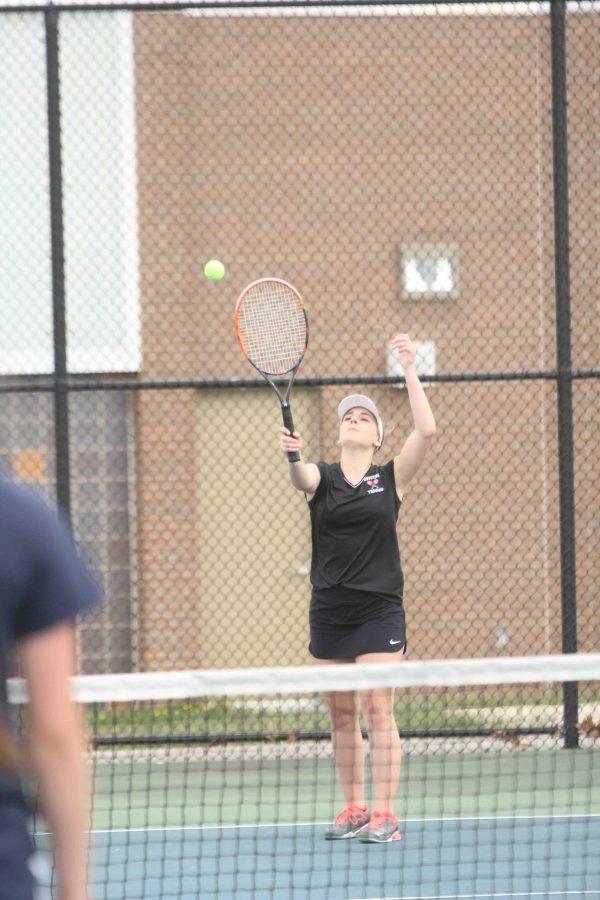 Fenton Girls JV Tennis ties Dewitt, 4-4