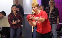 Bowling team establishes goals early in season