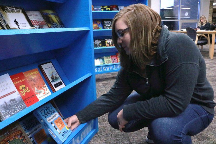 Media Center hosts book fair during school hours