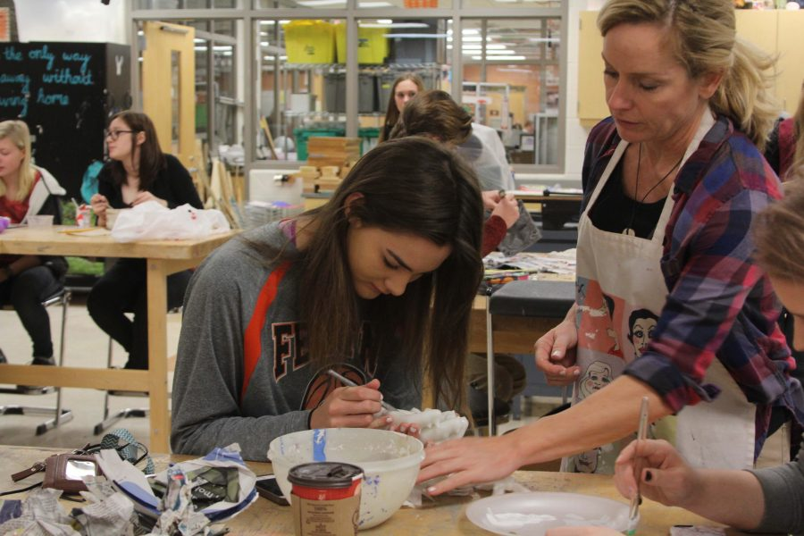 Sculpting class advances art skills based in foundation