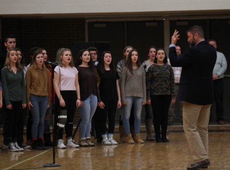 Holiday performance returns before break