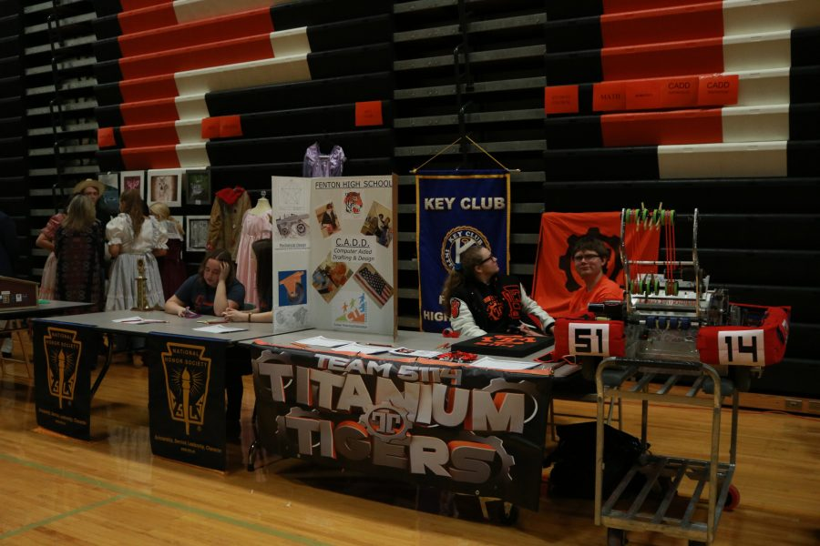 Yesterday, Feb. 8, representatives from elective courses gathered to present information regarding registration to the Class of 2021 at the freshmen orientation.