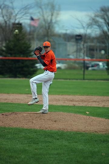 V baseball vs Kearsley