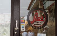 Leo's Coney Island Fundraisers raise money for journalism camp