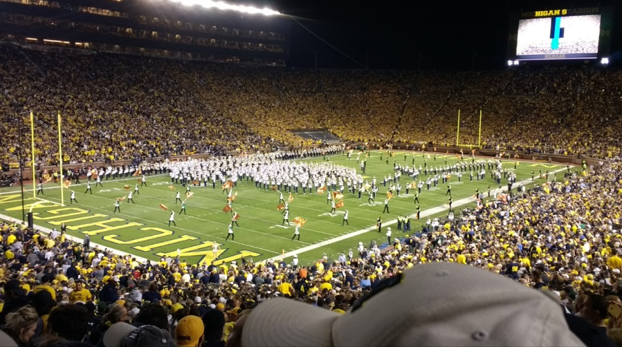 Students commute to Big House as homecoming alternative