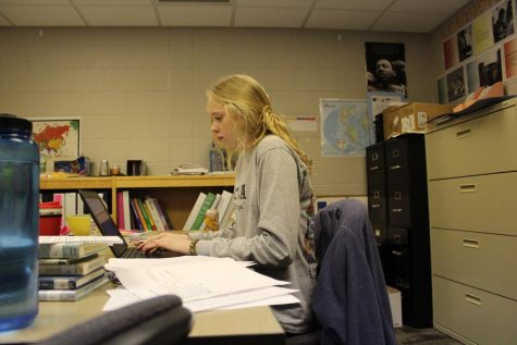 Students and teachers try new classroom procedure