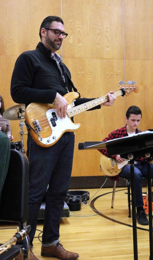 Band Director Andy Perkins plays with his jazz band students at the SRT holiday concert. The students and faculty gathered on December 12 at the concert and were all ready for the end of the day and the beginning of winter break.