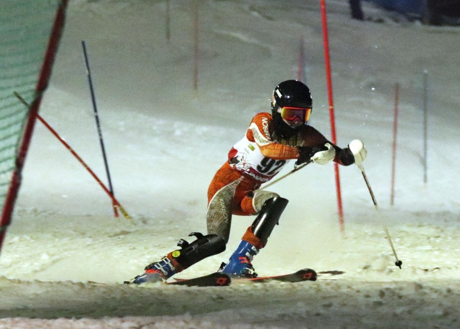 Junior Parker Bundy competes at states for alpine ski team
