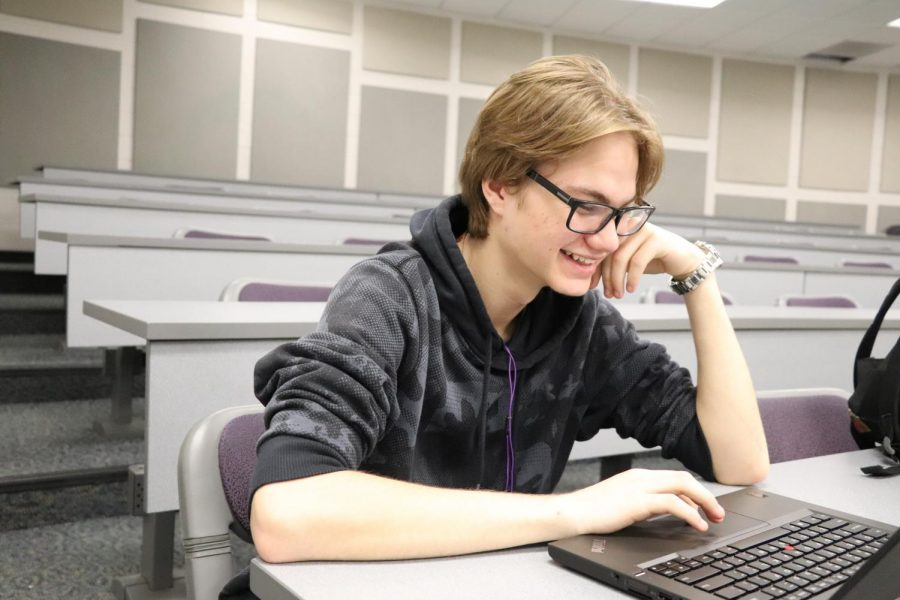 Junior Rocco Idoni schedules his classes for next school year with his counselor. Fenton Area Public School decided to cut block scheduling due to a budget issue.