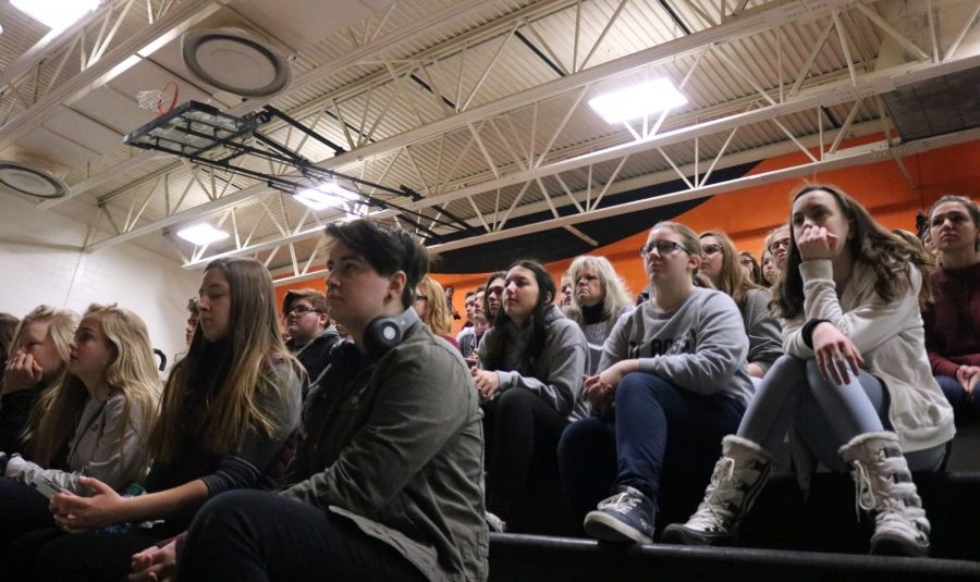 Students gather in the gym for the memorial held for Parkland across the country. On March 14, students left their SRT and went to the assembly to show respect for those who lost their lives.