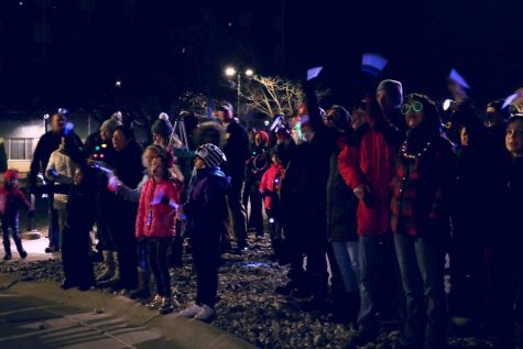 On Dec. 11, a crowd showed up at Hurley Children's Clinic to cheer up the children. People came to show their support for the sick children in the hospital with glow sticks and carols.