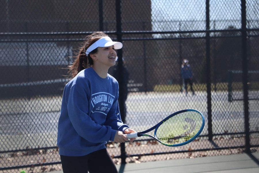 During+JV+tennis+practice%2C+freshman+Alyssa+Andrews+plays+%22The+Game%2C%22+a+tennis+game+where+the+goal+is+to+be+the+last+person+on+the+court.+On+April+15%2C+the+JV+tennis+team+held+a+weekly+practice+to+prepare+for+the+upcoming+meet.+