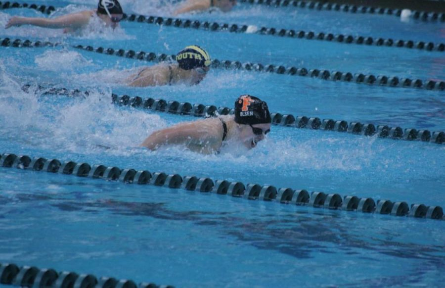 Sophomore Grace Olsen wins states for girls swim
