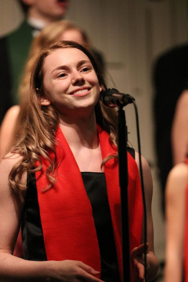Senior+Rose+Muennix+performs+her+final+winter+concert+at+Fenton+High+on+Dec.+10.+Muennix+had+solo+that+she+performed+for+the+audience+at+the+beginning+of+the+concert.