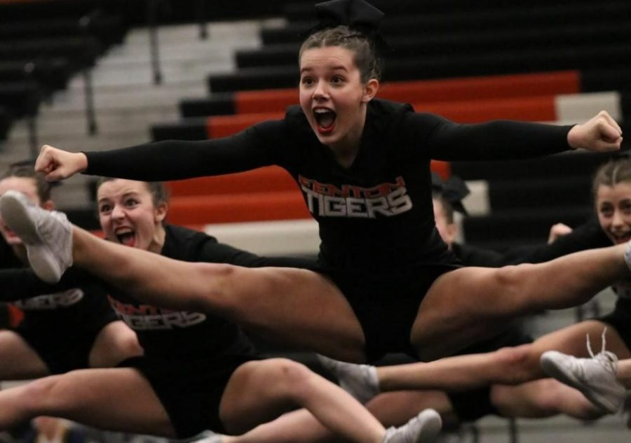 Varsity competitive cheer attends regional competition