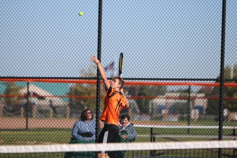 Fenton tennis summer program provides extra repetition