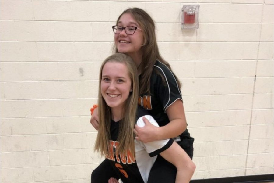 Fenton High sports teams bond through traditions